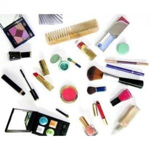 kit maquiagem 300x300 Kit de Maquiagem