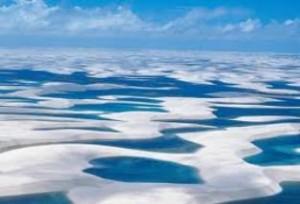lençóis maranhenses 300x204 Praias mais visitadas no Maranhão: Pacotes de Viagem