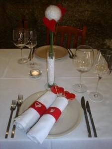 mesa dia dos namorados1 225x300 Decoração De Mesa De jantar Romântico, Dicas