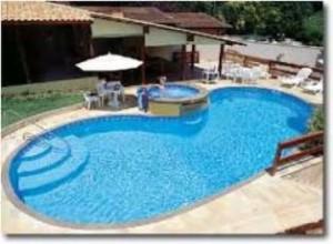 piscina de vinil 300x220 Piscina Vinil ou Fibra: Preços