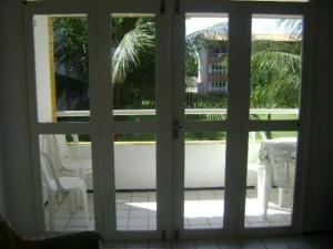 porta de madeira com vidro 01 300x225 Portas de Madeira com Vidro para Sala