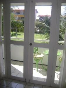 porta de madeira com vidro 02 225x300 Portas de Madeira com Vidro para Sala