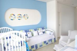 quarto bebe em branco e azul ceu 300x200 Cores Calmas Para Quarto
