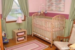quarto de bebe verde e rosa 300x199 Decoração de quarto de bebê   como fazer?