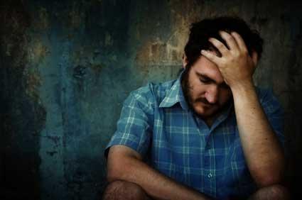 homem deprimido Sintomas de depressão leve
