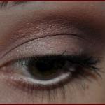 olhos marrom avermelhado a 150x150 Maquiagem Marrom Passo a Passo