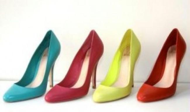 sapatos coloridos Sapatos de Salto Coloridos Modelos Onde Comprar