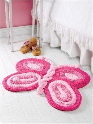 Esse é um tapete infantil que fica muito bonito no quarto de qualquer