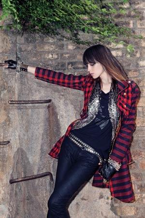 251 moda punk rock 061 Moda Rock Feminina 2011