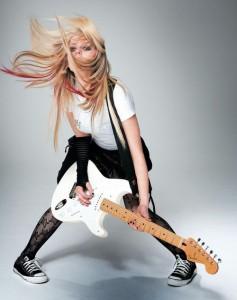 Avril+Lavigne+Rock 237x300 Moda Rock Feminina 2011