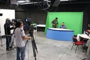 foto9 300x200 Curso Técnico de Rádio e TV Gratuito