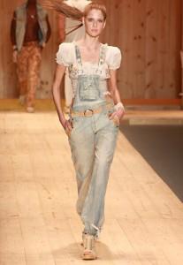 macacão feminino jeans modelos fotos 207x300 Macacão Feminino Jeans, Modelos, Fotos