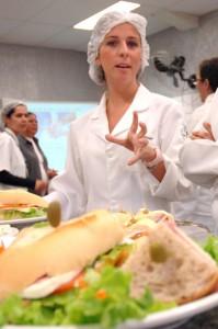 nutricionista 199x300 Faculdades de Nutrição RJ